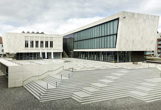 Stadtbibliothek & BÜRGER HAUS Ndh